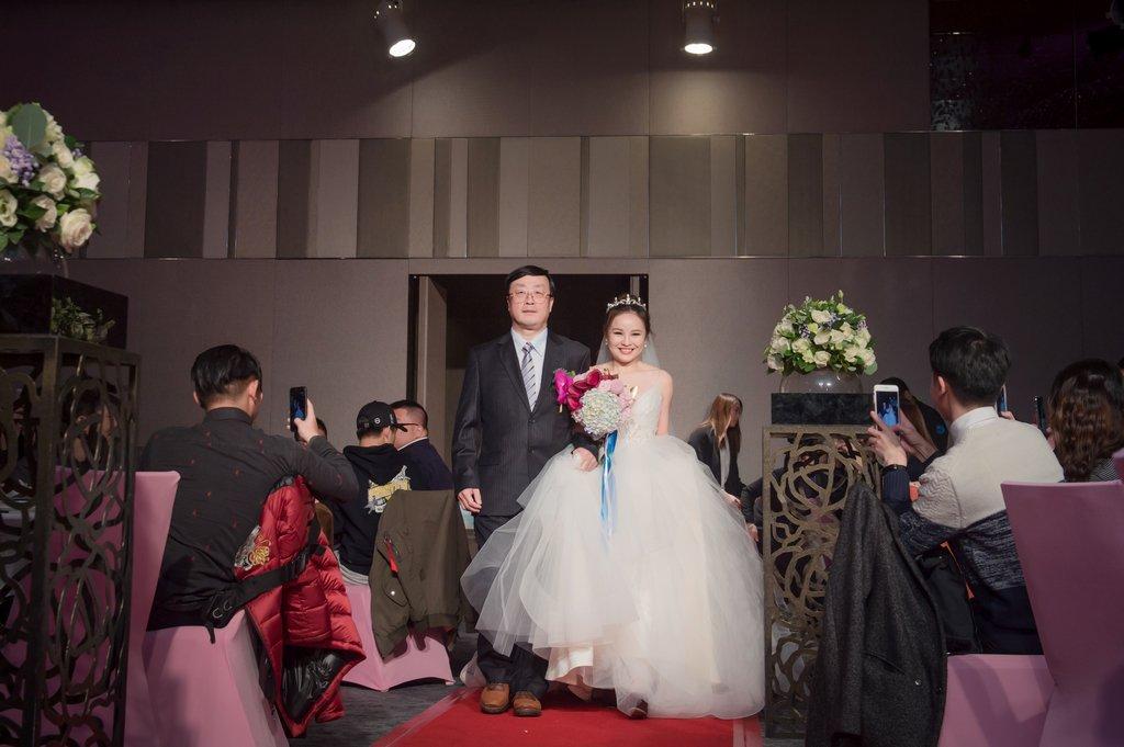 A-126-1 - 婚攝勇年Yunis, 婚攝, 孕婦寫真, 孕婦照, 婚禮紀錄, 婚禮攝影, 婚禮紀錄, 藝人婚禮, 自助婚紗, 婚紗攝影, 婚禮攝影推薦, 自助婚紗, 新生兒寫真, 海外婚禮攝影, 海島婚禮, 峇里島婚禮, 風雲20攝影師, 寒舍艾美, 東方文華, 君悅酒店, 萬豪酒店, ISPWP & WPPI, 國際婚禮, 台北婚攝, 台中婚攝, 高雄婚攝, 婚攝推薦, 自助婚紗, 自主婚紗, 新生兒寫真